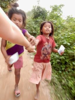 Making friends on Don Khon